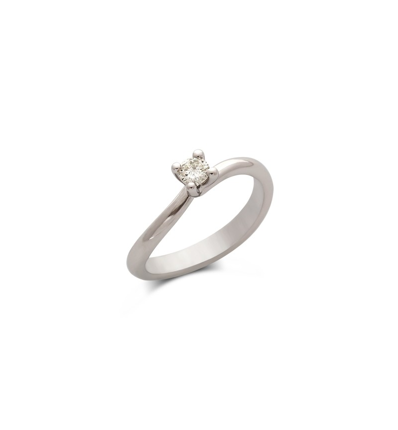 Diamond wavy solitaire ring