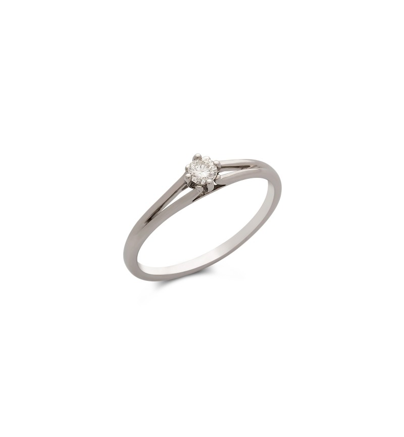 Diamond solitaire ring 577